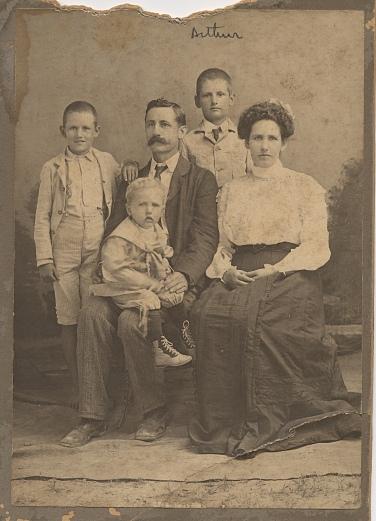 Wilson Family 1901
